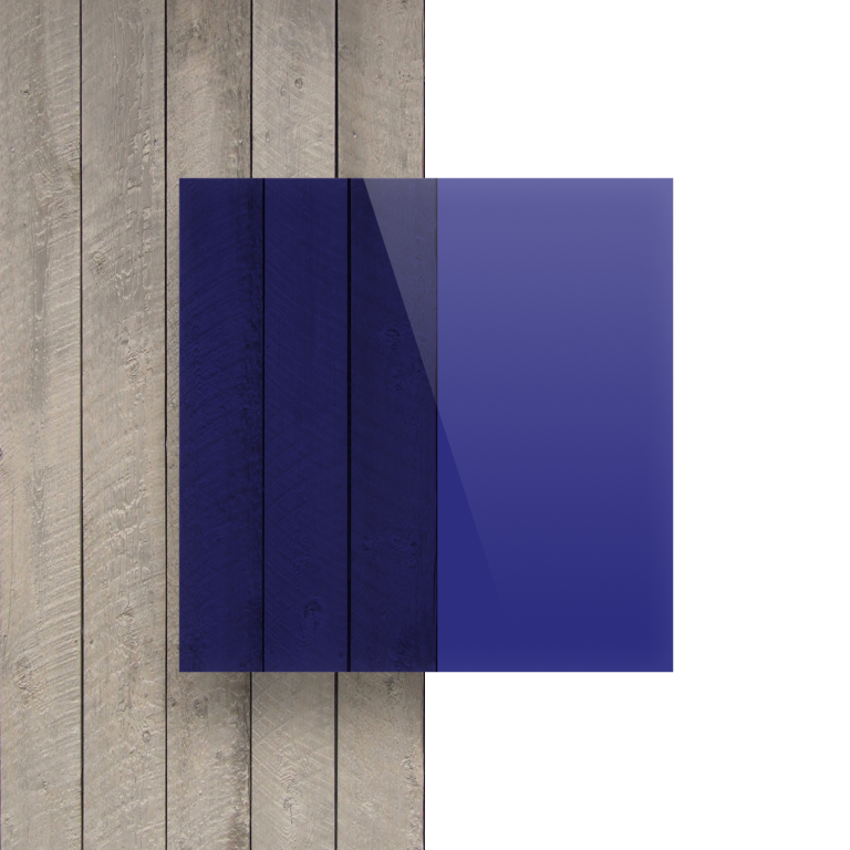Voorkant plexiglas getint blauw