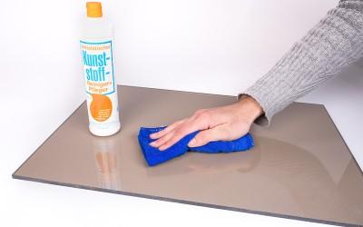 Plexiglas schoonmaken