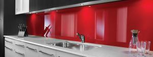 Kunststof achterwand keuken in rood