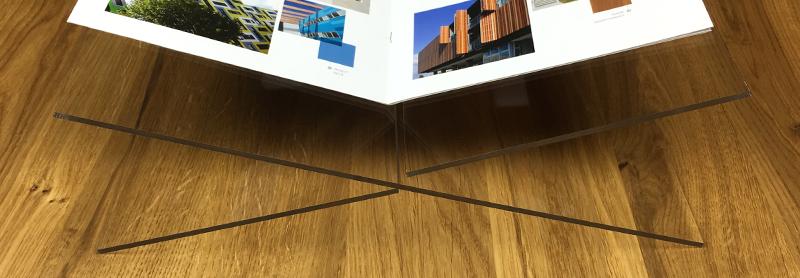 Plexiglas boekenstandaard zelf maken