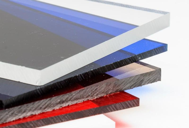 Waar wordt plexiglas van gemaakt?