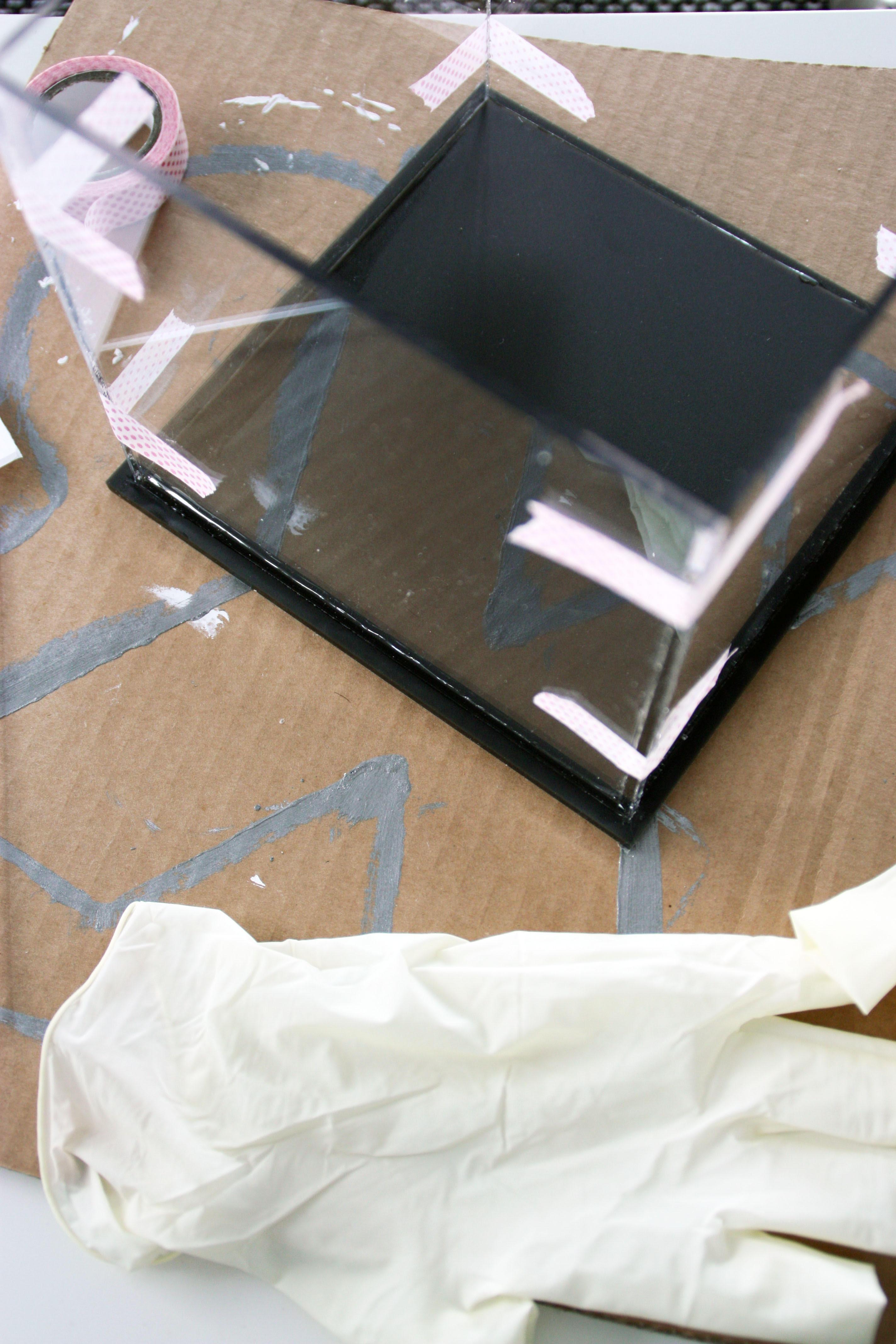 plexiglas platen aan elkaar lijmen