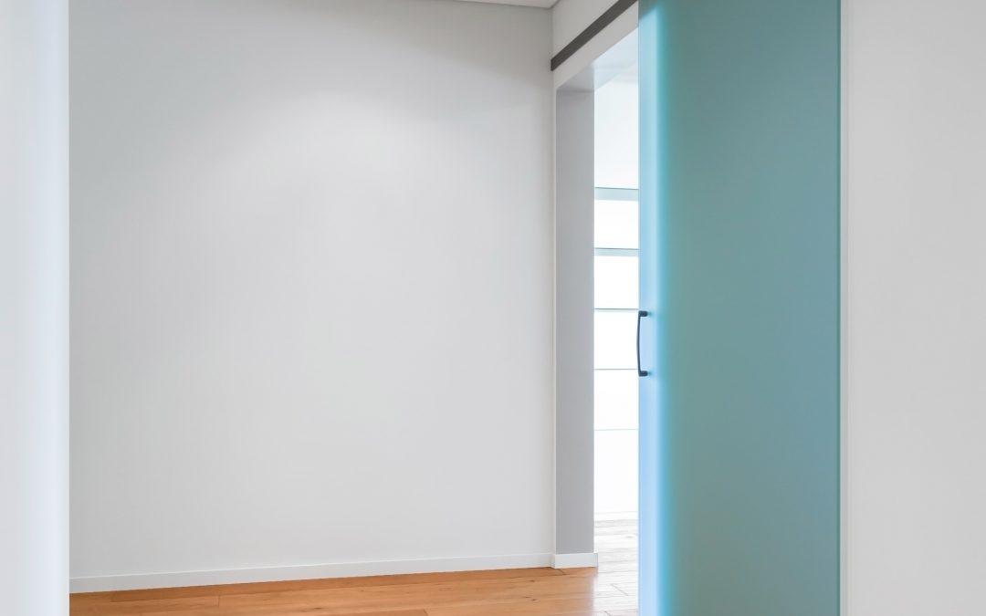 DIY: een loftdeur van plexiglas