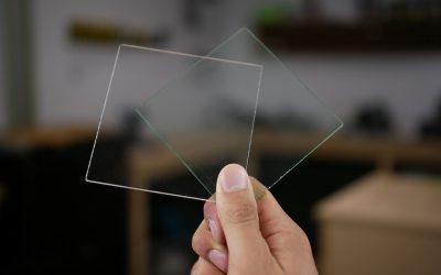 Glas of plexiglas?