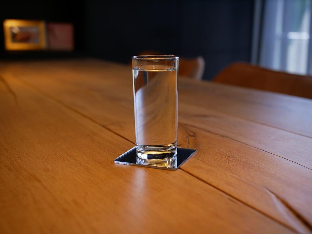 Onderzetter van plexiglas met ronde hoeken