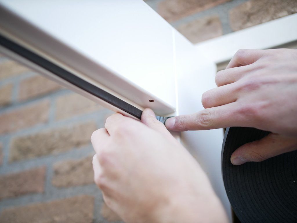 Raam vervangen glasband op glaslat plakken