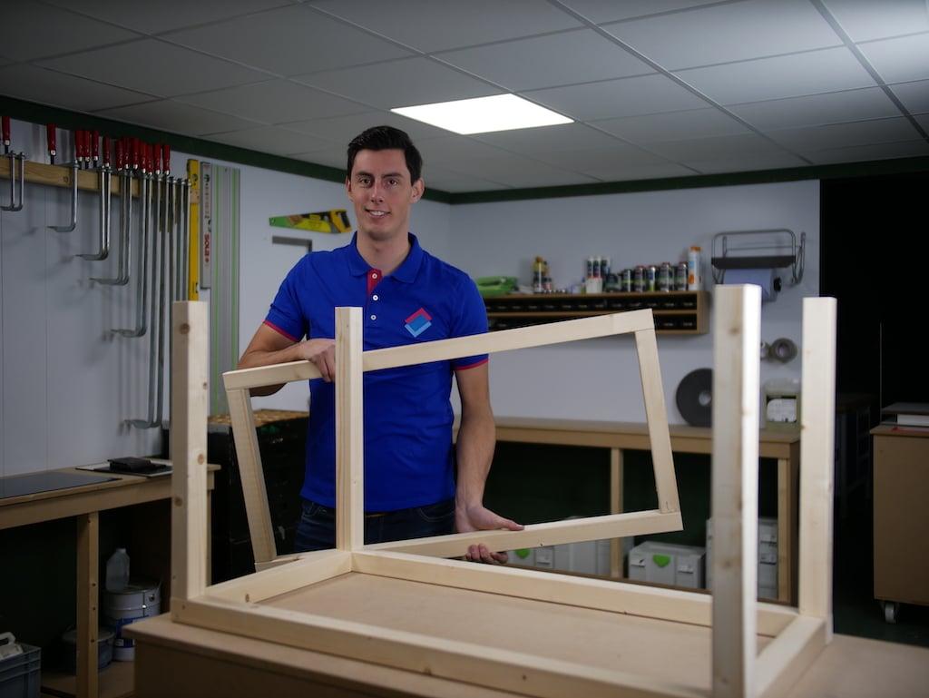Speelgoedkist voor buiten HPL frame in elkaar zetten