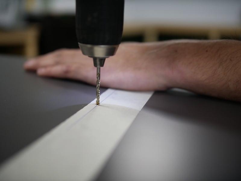 Pakketbrievenbus HPL boren gaten scharnieren
