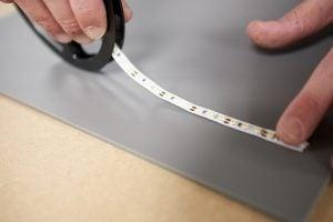 Kunststof plafond toilet maken ledverlichting aanbrengen op plexiglasplaat