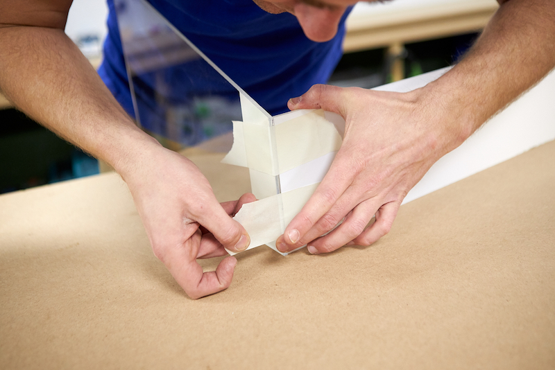 Kweekbak maken platen fixeren met schilderstape