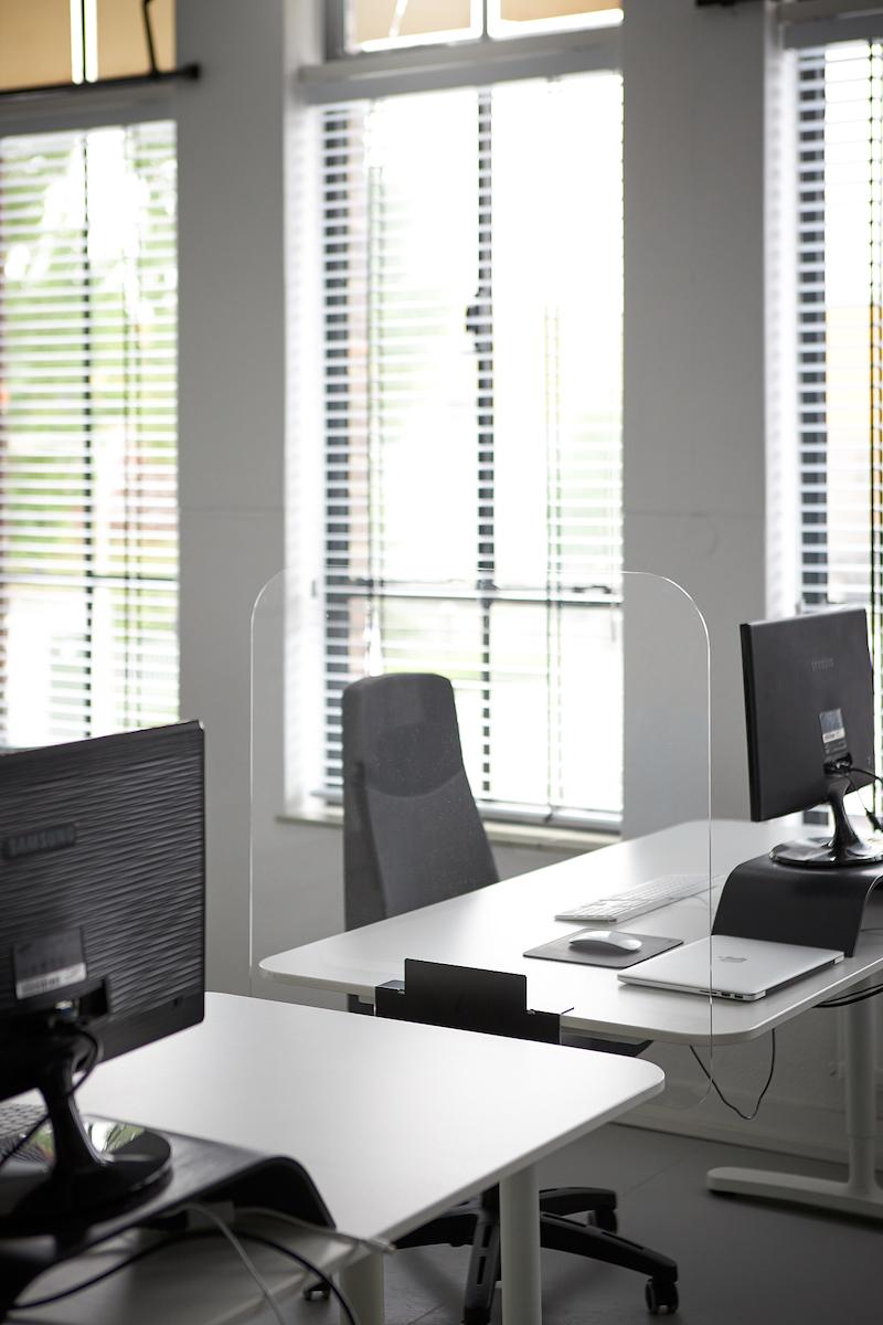 Bureauscherm klein zijkant bureau