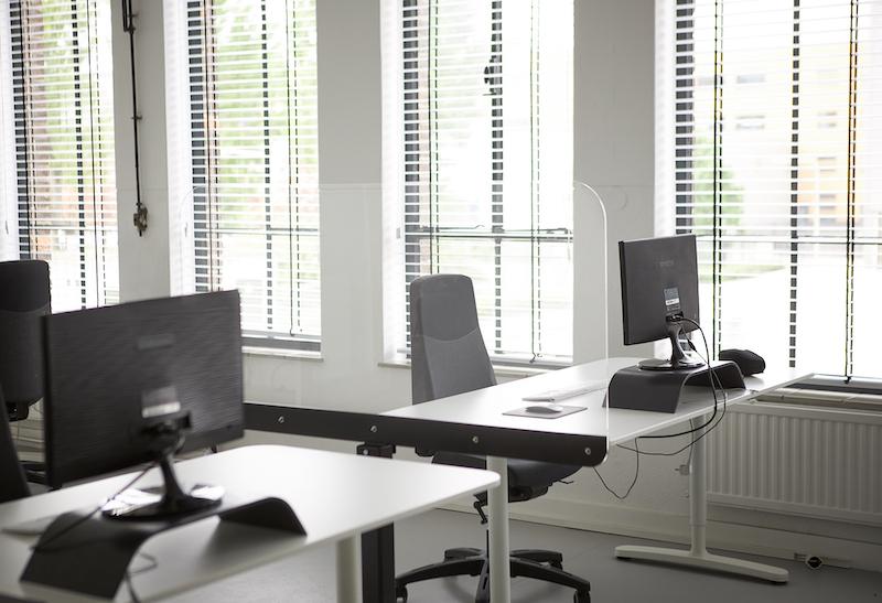 Plexiglas bureauscherm zijkant