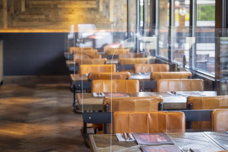 Plexiglas scheidingswanden bedrijfsrestaurant