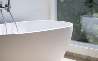 Badkamerraam voor meer privacy? 3 redenen om plexiglas te kiezen