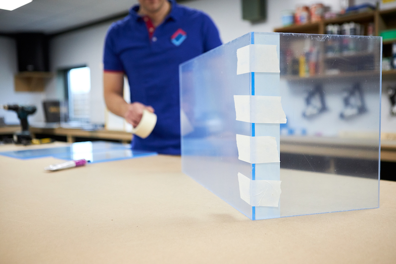 Terrarium maken fixeren met schilderstape