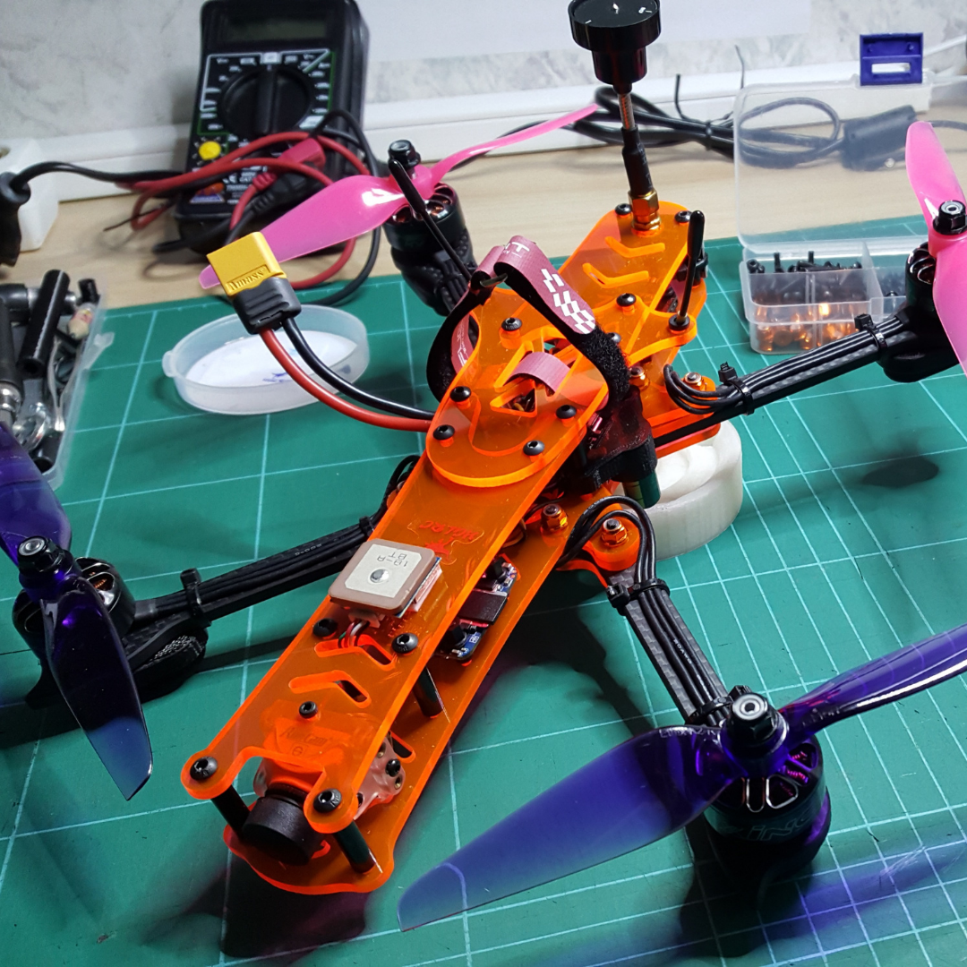 zelf drone maken plexiglas