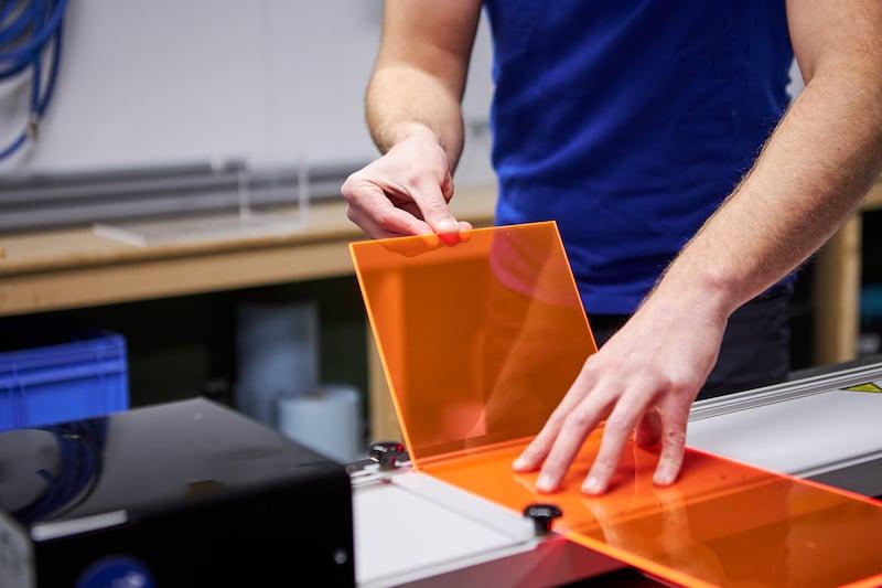 Kunststof tafeltje maken plexiglas buigen