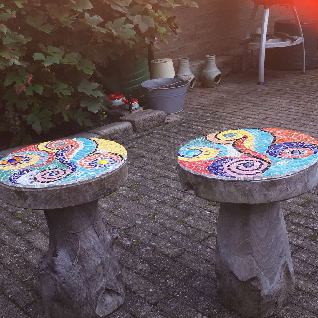 mozaïek tafeltjes met plexiglas zijkant